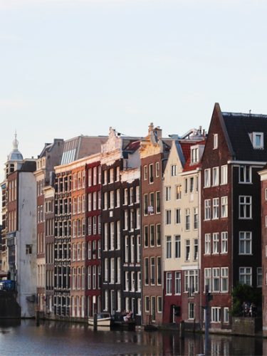 A GUIDE TO AMSTERDAM (72 HOURS)